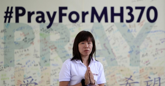 Underwater search for Malaysian airliner resumes