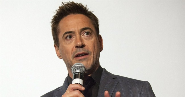 Downey screens new movie at Ohio military base