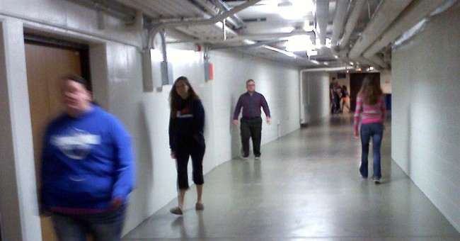 Students at Wis. college have cozy walk to class
