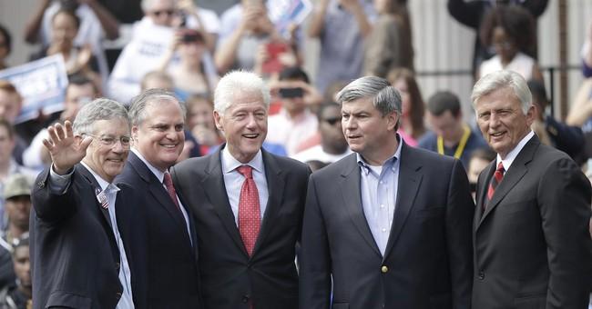 Bill Clinton rallies college students in Arkansas