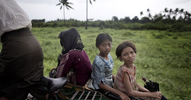 Myanmar blockades Rohingya, tries to erase name