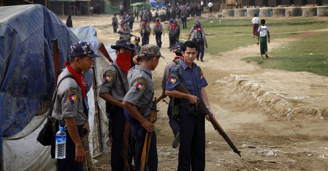 Myanmar blockades Rohingya, tries to erase name