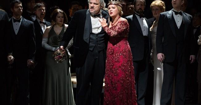 Soprano triumphs as bloodthirsty Lady M