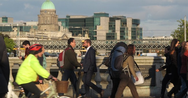 Ireland sells bonds at record-low yield