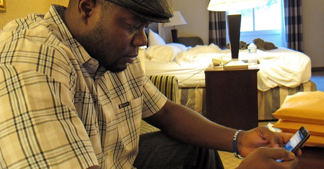 Ebola patient displayed symptoms at first ER visit