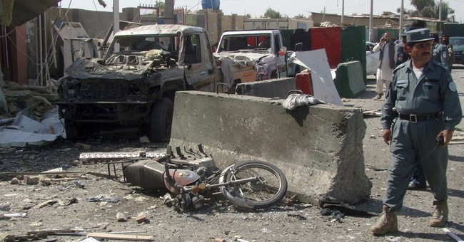 Suicide blast kills policeman in south Afghanistan