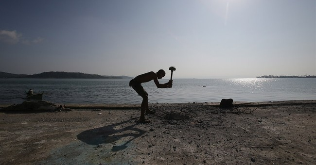 Image of Asia: Working on the Tacloban waterfront