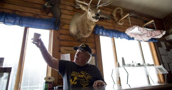 Alaska's Senate candidates vie for veterans' votes