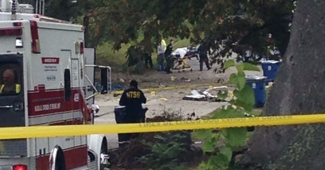 Pilot crash lands in vacant lot in Chicago suburb
