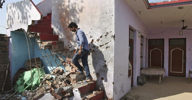 Pakistani, Indian armies discuss border clashes