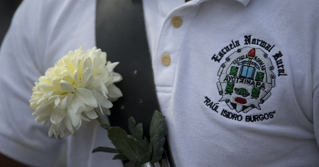 Mexico prosecutor: Students not in 1st mass graves
