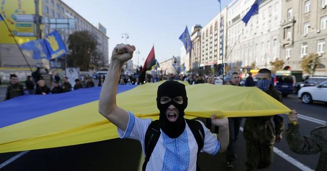 Clashes erupt outside Ukraine's parliament in Kiev