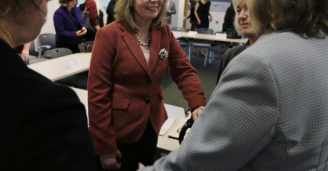 Giffords begins 9-state tour on women, guns