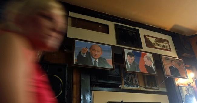 Serbia prepares hero's welcome for Putin