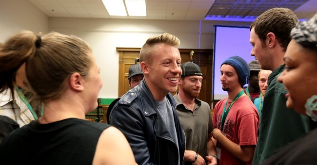 Macklemore appears at Seattle drug court event