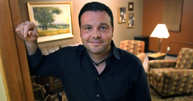 Embattled founder of Seattle megachurch resigns