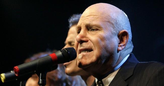 Manhattan Transfer singer, founder dies at 72