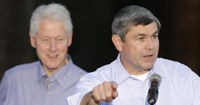 Clinton returns to Arkansas to boost Democrats