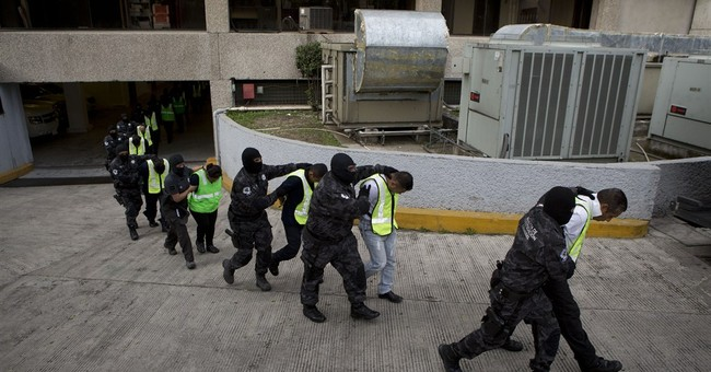 Mexicans protest in Acapulco over missing students