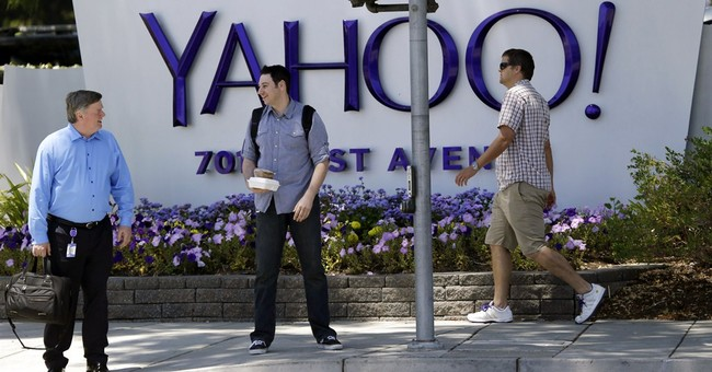 Yahoo CEO defends strategy in face of criticism