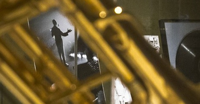 Museum shows Louis Armstrong photos by friend