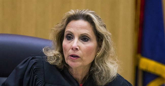 Jurors given conflicting views of Jodi Arias