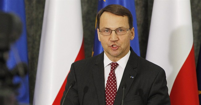 Poland's Sikorski under fire over Russia interview