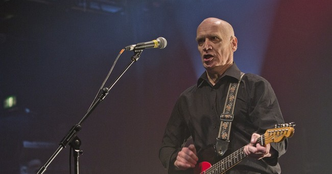 Guitarist Wilko Johnson says he is cancer-free