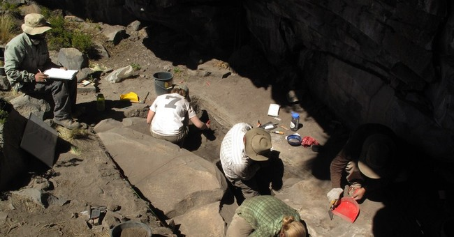 Stone tools show ancient settlement high in Andes