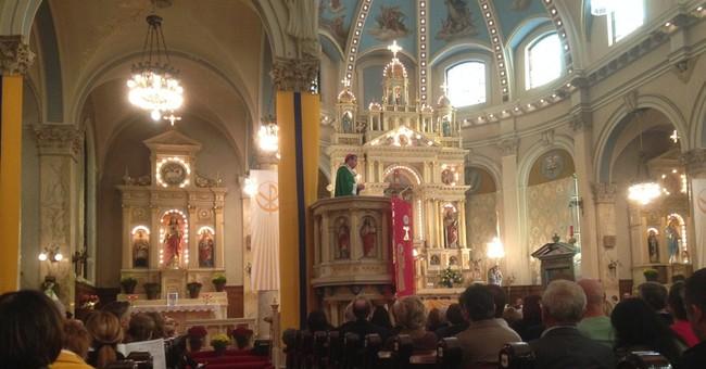 Detroit Mass Mob fills pews in struggling churches