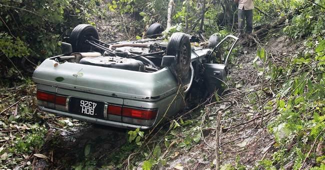 Malaysian man crawls for 3 days after car smash