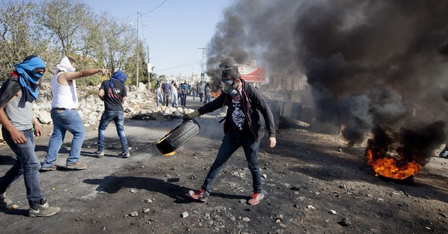 Clashes erupt at Palestinian's West Bank funeral