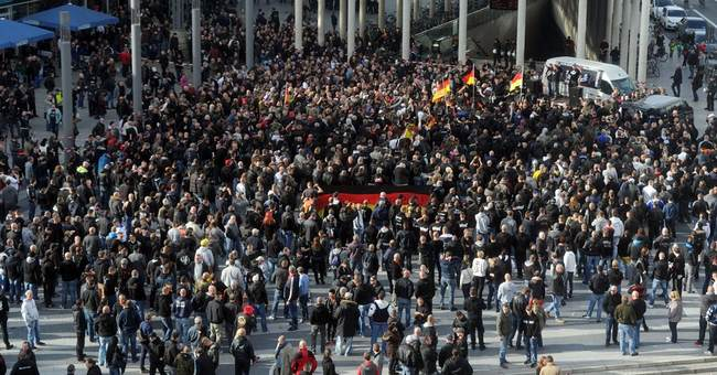 German police defend tactics at far-right protest