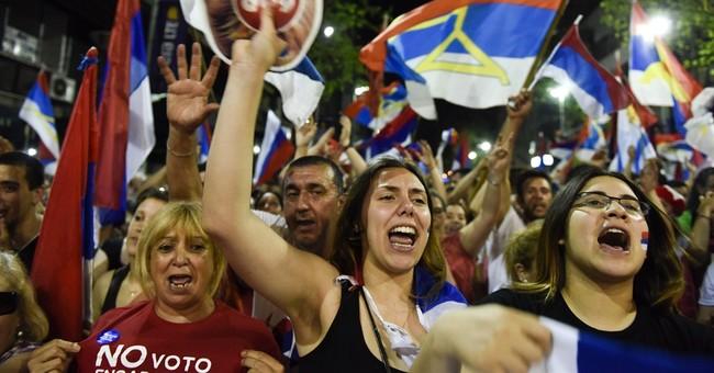 Vazquez leads Uruguay president vote; faces runoff
