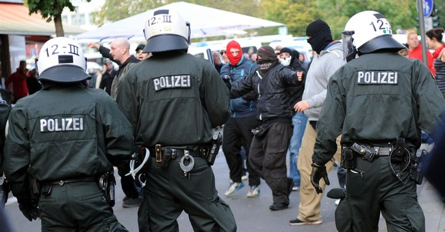 Germany: 14 injured in far-right violence