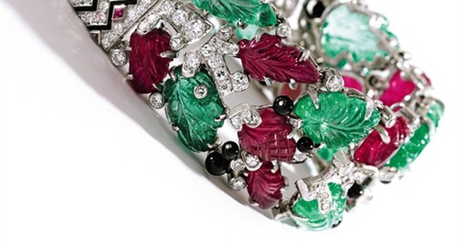 Lauder jewels auction to benefit 2 charities