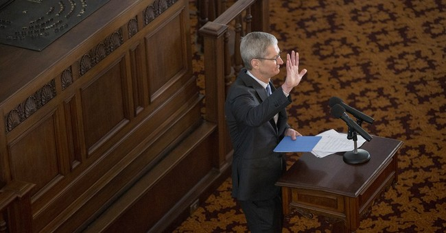 Apple CEO publicly acknowledges that he's gay