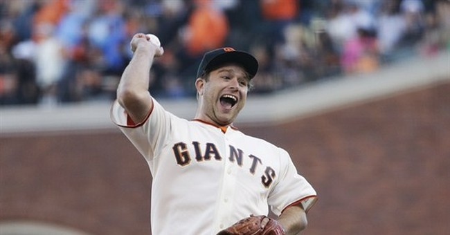 Giants pay tribute to late Robin Williams