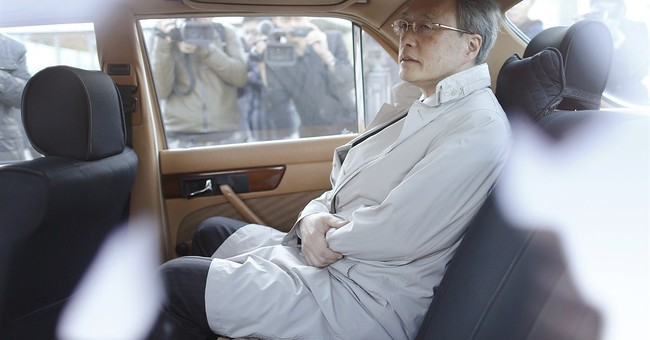 Japan, North Korea start talks on abductions