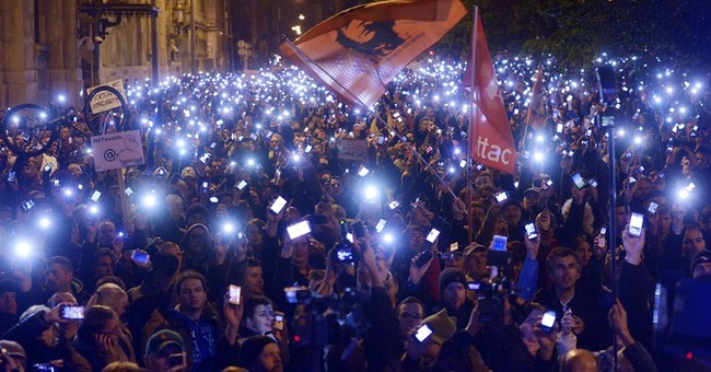 Thousands in Hungary march against Internet tax