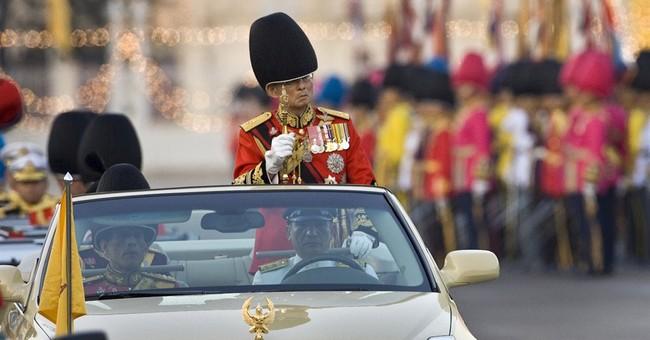 Thai prosecutors indict 2 in anti-monarchy case