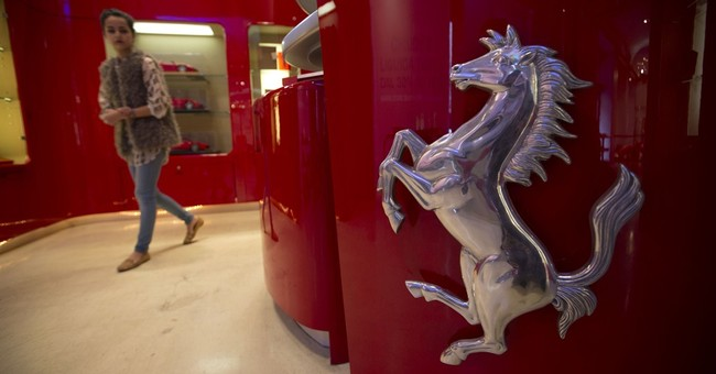 Fiat Chrysler to spin off luxury brand Ferrari