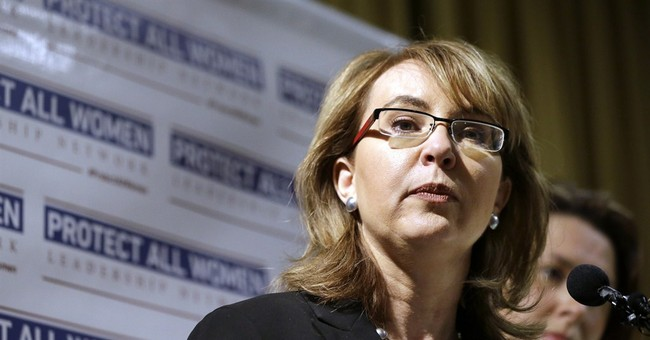 Giffords struggling to make guns a midterm issue