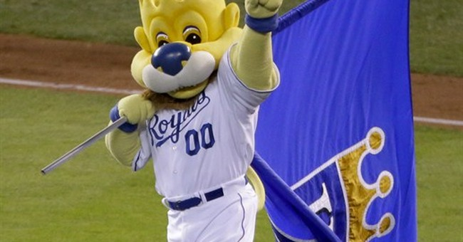 Royals rout Giants 10-0, Series goes to Game 7