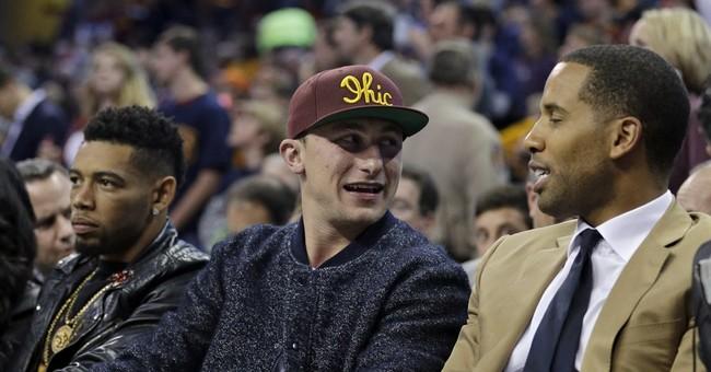 Knicks spoil James' homecoming, 95-90