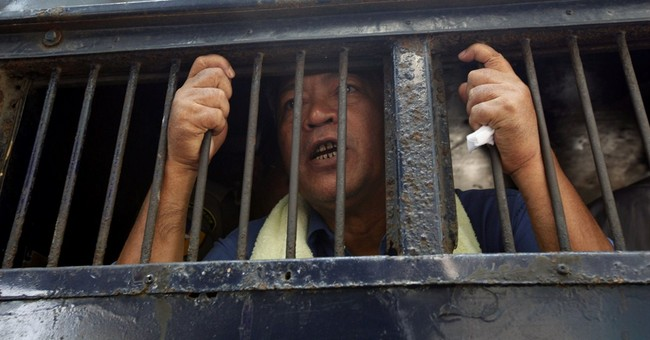 Activists: Myanmar clinging to political prisoners