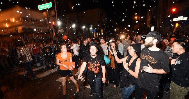 Orange fever reigns over drizzly Giants' parade