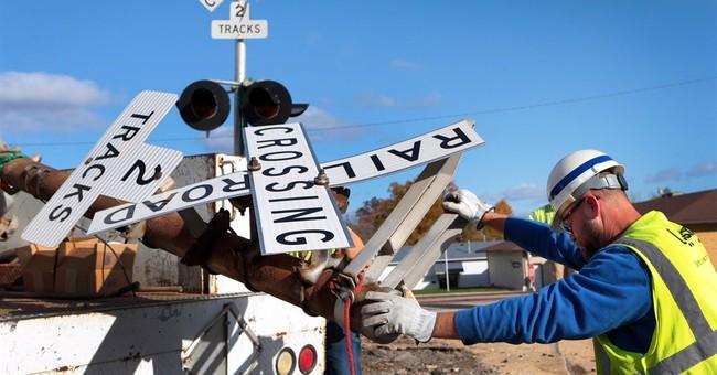 4 die when train strikes SUV in southern Illinois