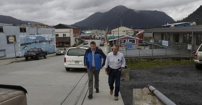 AP PHOTOS: Small Alaska town welcomes big politics