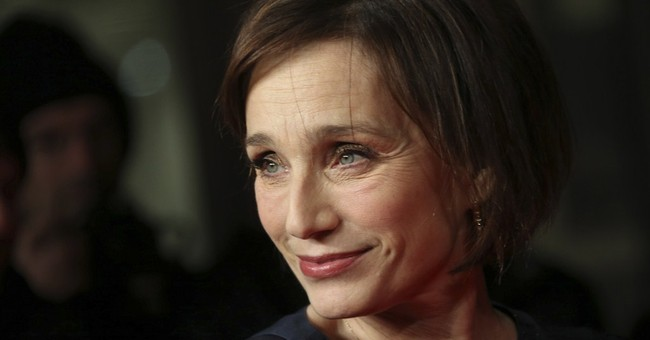 Kristin Scott Thomas to play UK queen onstage